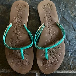 Reef sandals 🌈